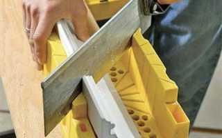 Как правильно обрезать потолочный плинтус: делаем внутренние и внешние углы