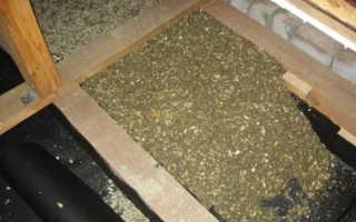 Что лучше: утеплить потолок опилками или выбрать пеноизол и эковату