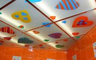 Стеклянный потолок: оригинальное интерьерное решение для ванной, гостиной и спальни