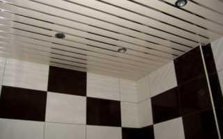 Потолок в туалете: варианты отделки и выбор материала