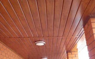 Имитация бруса на потолок: потолок из брусков, имитация на потолке, отделка потолка имитацией бруса в деревянном доме