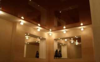 Коричневый потолок в интерьере: принципы оформления и примеры
