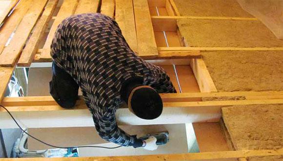 поднять потолок в деревянном доме