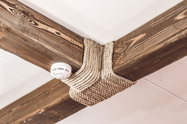 потолок с фальш балкой