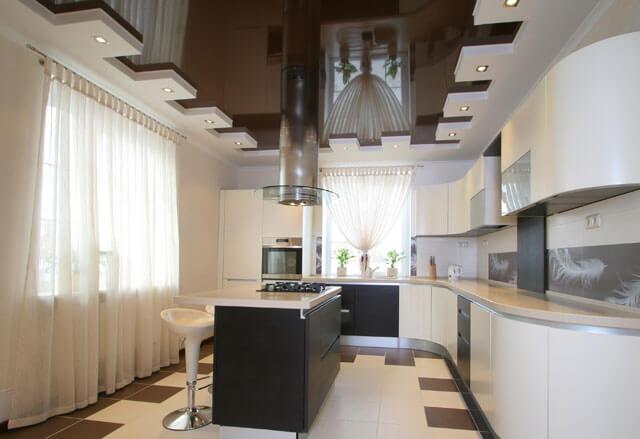 практичны ли натяжные потолки на кухне