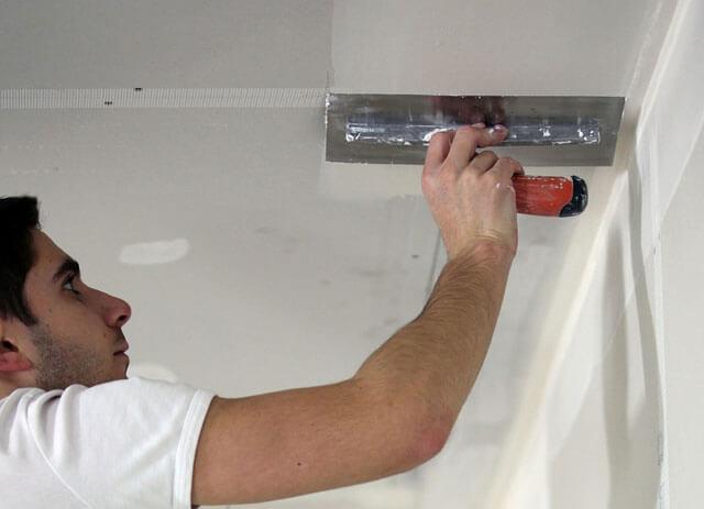 какую шпаклевку выбрать для потолка под покраску