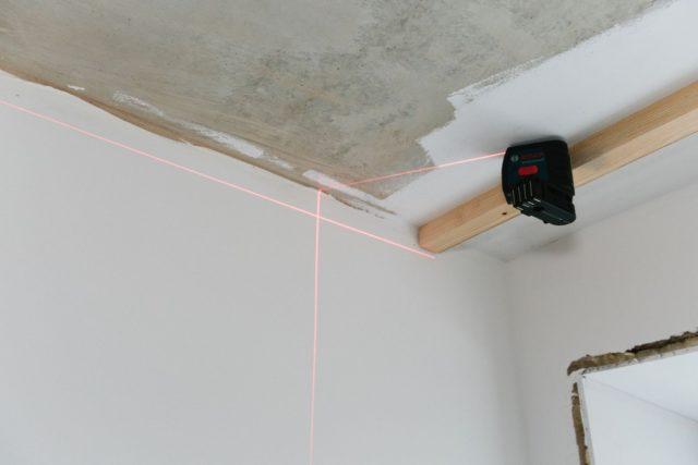 Установка лазерного уровня