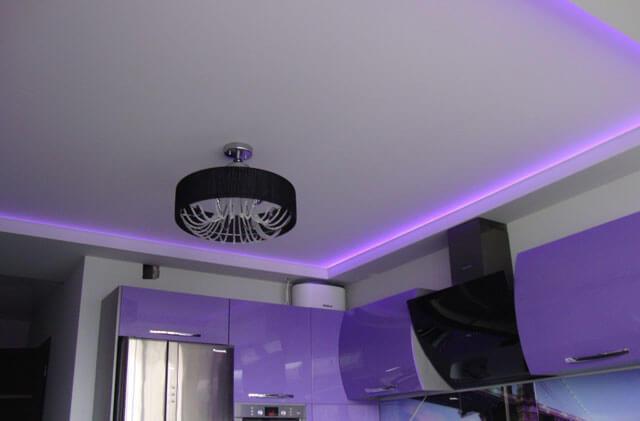 натяжные потолки подсветка по периметру короба варианты