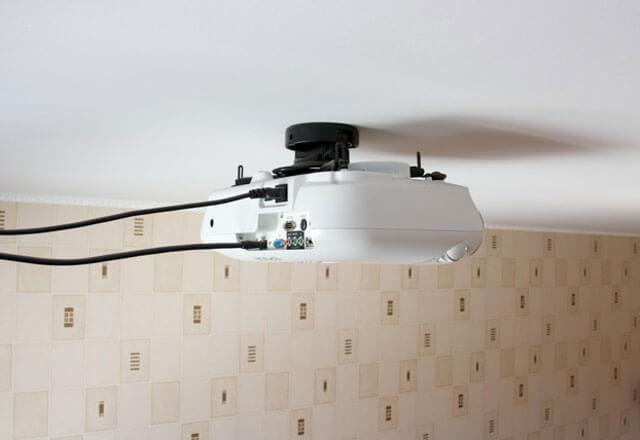 установка проектора на потолок