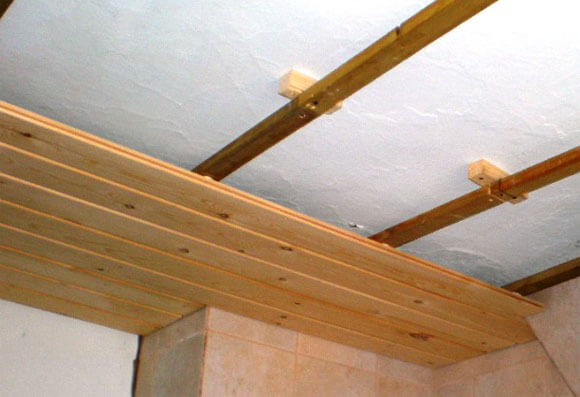деревянные реечные потолки преимущества