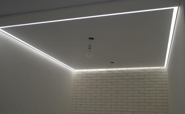ниша с подсветкой натяжные потолки