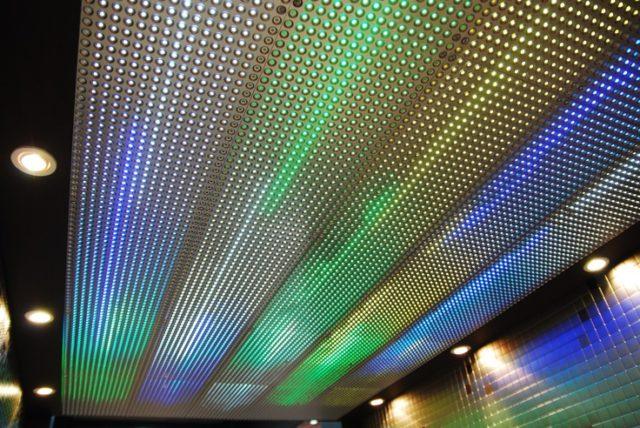Перфорированные решетки на потолке