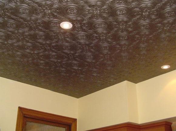поклейка флизелиновых обоев на потолок своими руками