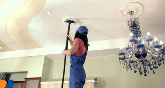 как помыть потолок покрашенный водоэмульсионной