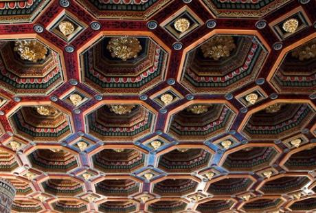 потолки из восьмиугольных фрагментов