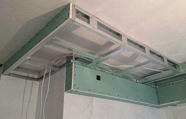монтаж потолочных коробов из гипсокартона