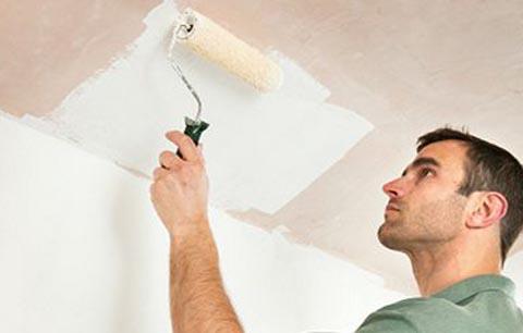 после покраски потолка остались полосы