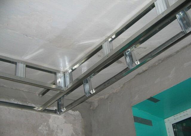 двойной потолок из гипсокартона с подсветкой