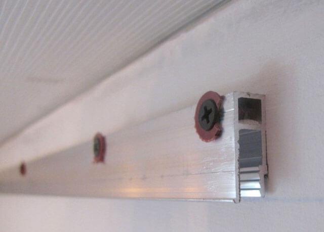 натяжные потолки сколько сантиметров от потолка