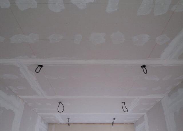 как зашпаклевать потолок из гипсокартона под покраску