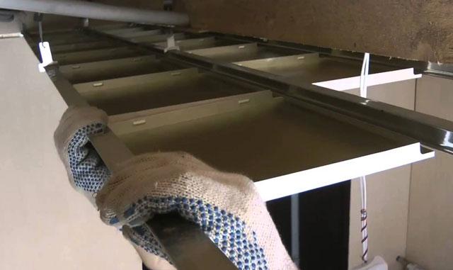 металлические кассетные подвесные потолки