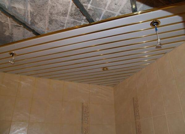 подвесные потолки из металлических панелей
