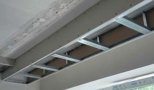 монтаж потолка подвесного
