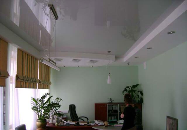 натяжной потолок высота