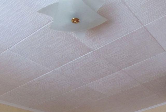 подтеки на потолке