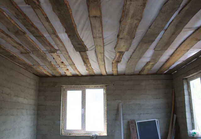 черновые потолки в частном доме