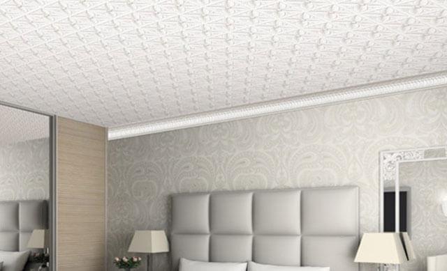 какой натяжной потолок сделать в спальне