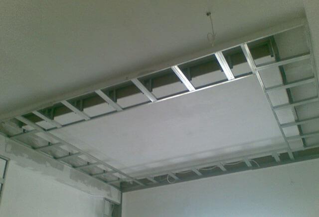 правила монтажа потолка из гипсокартона