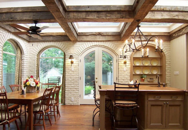 имитация деревянных балок на потолке