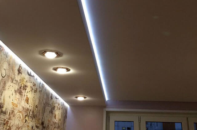 натяжные потолки с подсветкой по периметру