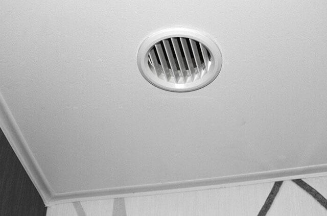 вентилятор в натяжной потолок