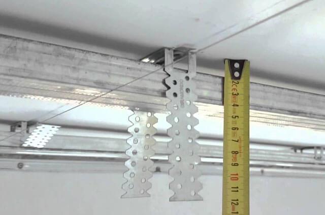 потолок из гипсокартона квадратный