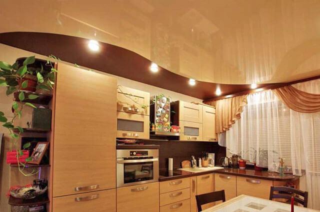 можно ли сделать натяжные потолки на кухне