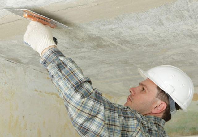 как зачистить потолок перед покраской