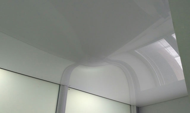 когда устанавливать натяжной потолок при ремонте