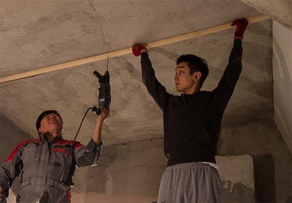 как обшить потолок фанерой своими руками