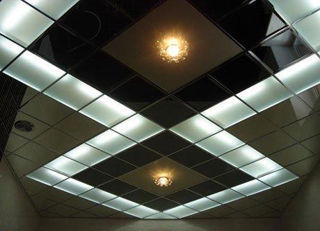 Подвесной потолок с освещением