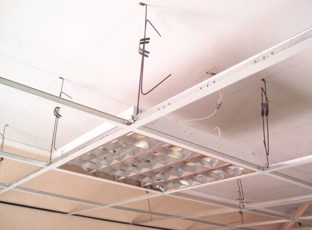 как делают подвесные потолки