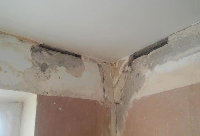 как заделать большую дыру в потолке