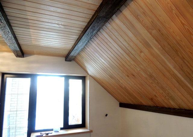 фальшбалки для потолка из дерева