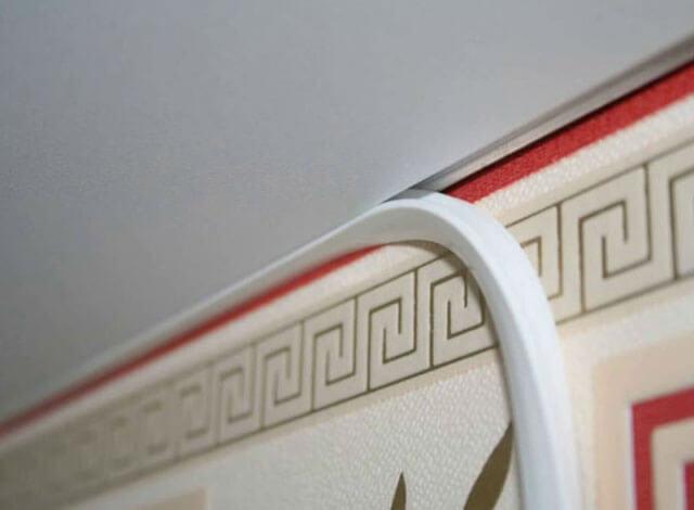 гибкий плинтус на потолок