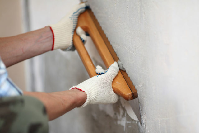 Выравнивание и подготовка стен под обои