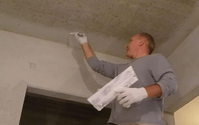 какую шпатлевку выбрать для потолка