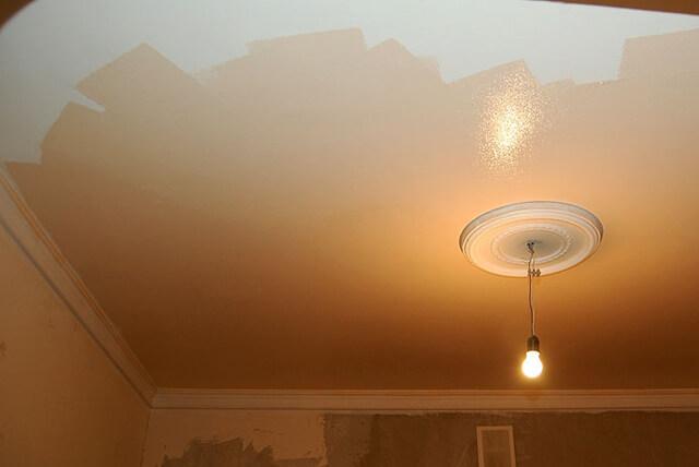 краски для потолков в жилых помещениях