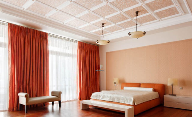чем покрасить потолок в спальне