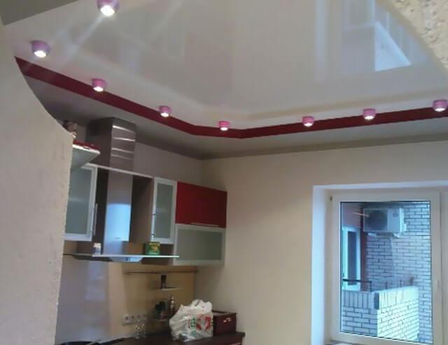 можно ли устанавливать натяжные потолки на кухне